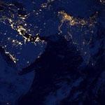 صورة ليلية مذهلة لكوكب الأرض التقطتها أقمار وكالة ناسا وأسمتها الرخام الأسود