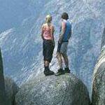 الصخرة الشهيرة في النرويج... هل لديك ...