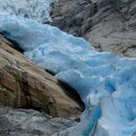 نهر جليدي ساحر في شمال النرويج.