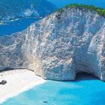شاطئ نافاجيو اليونان