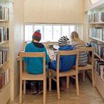 من اجمل المكتبات التى يقع نظرك عليها ...