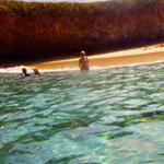 صورة مدهشة للشاطئ الخفي في جزر ماريتا