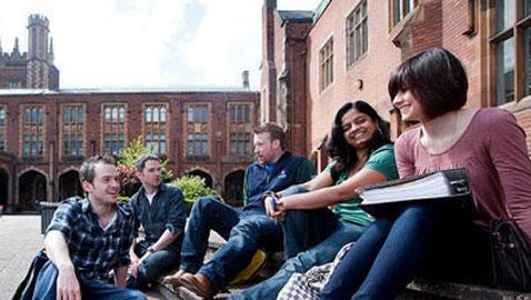 جامعة باكنجهام البريطانية تلزم الطلاب بعدم تعاطي المخدرات