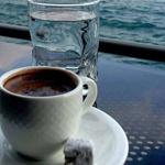 حين يجتمع جمال الصباح مع رائحة القهوة!