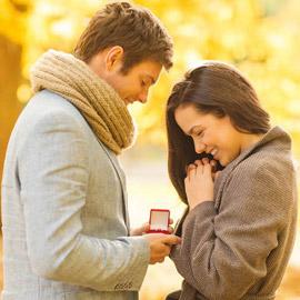 4 إشارات تشير إلى أن حبيبك يريد الزواج منك