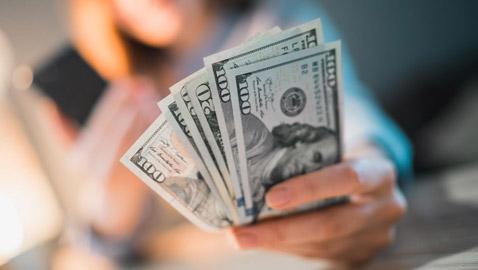 لكل مبذر.. إليكم خطوات سهلة وخطة اقتصادية لتوفير النقود!