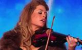 عزف رائع علي الكمان- مبدعة ومتألقه