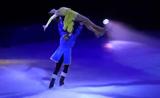 عرض سحري بالتزلج على الجليد