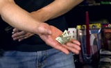 كيفية جعل بيل طيها بنفسها Dollars