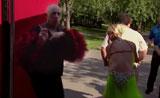 رقص الصلصا المثير وبعدها دهشة