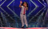 موهبة غناء ورقص ممتعه من ابنة خمسة أعوام4