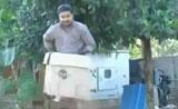 شاهد ساحر هندي يختفي في الهواء