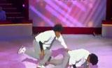 رقص التوام الفرنسي في برنامج المواهب