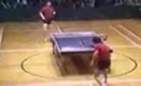 طاولة التنس العجيبة
